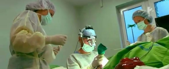 hajbeültetés műtét közben